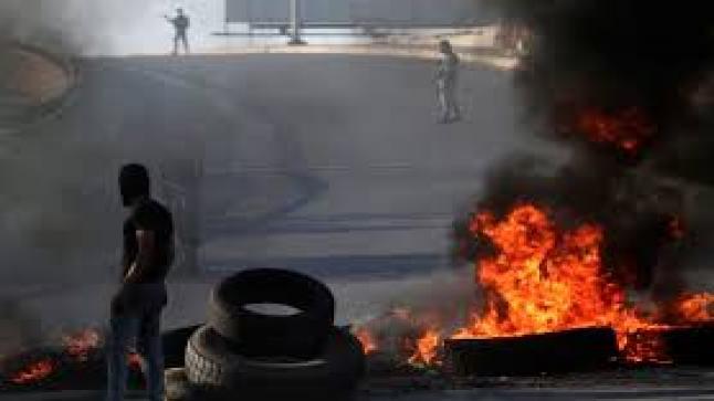 Au Liban, flambée du dollar, des prix et de la colère